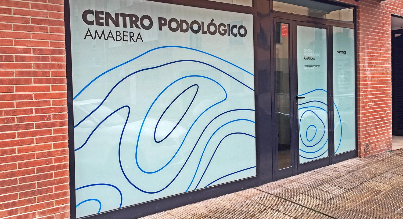 Diseño y Rotulación de cristales para negocios - Curva Rotulación Integral Pamplona