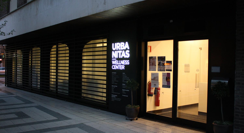 Diseño y Rotulación - rotulos luminosos y fachadas - Curva Rotulación Integral Pamplona