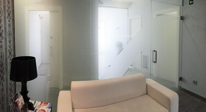 Diseño y Rotulación de vinilos para el hogar y decoración - Curva Rotulación Integral Pamplona