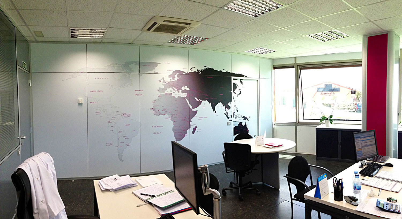 Diseño y Rotulación de vinilos para paredes y decoración - Curva Rotulación Integral Pamplona
