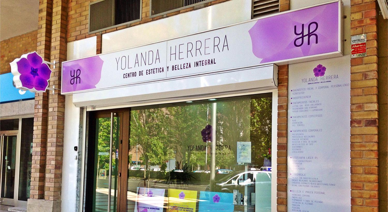 Diseño y Rotulación de banderolas luminosas - Curva Rotulación Integral Pamplona