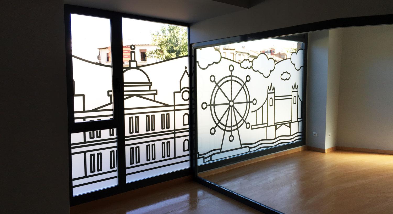 Academia Inglés - Diseño y Rotulación de escaparates - Curva Rotulación Integral Pamplona